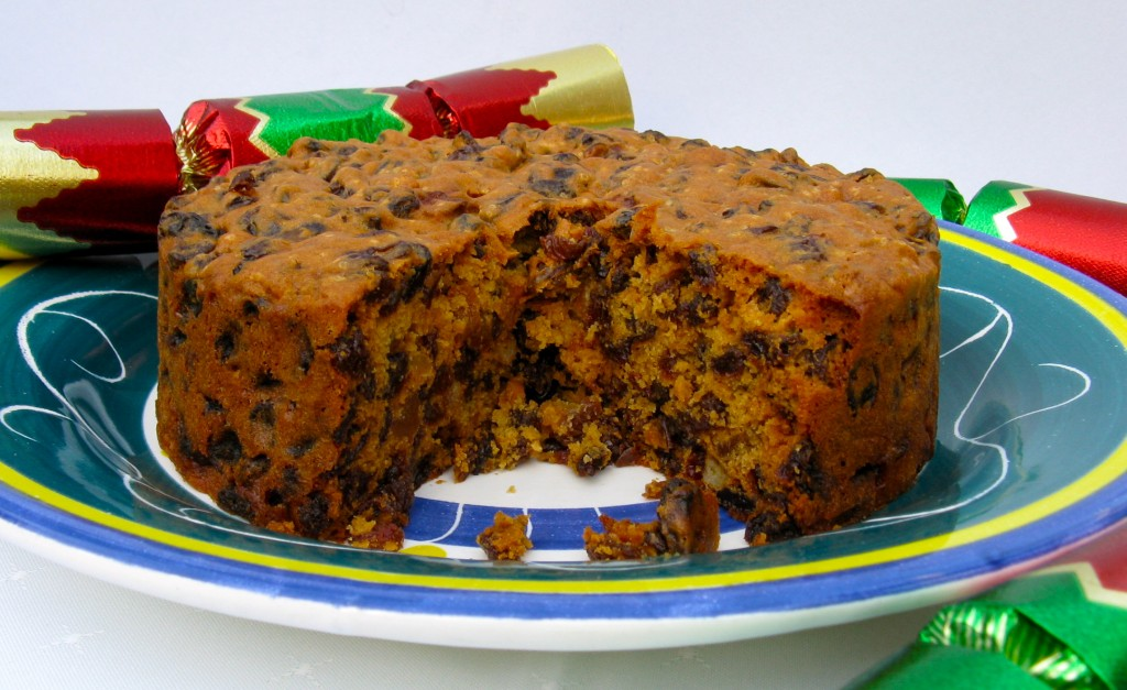 Easy Christmas Cake Recipe - in Ten Minutes ...